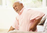 脊椎脊髄レベルでの疼痛(とうつう)